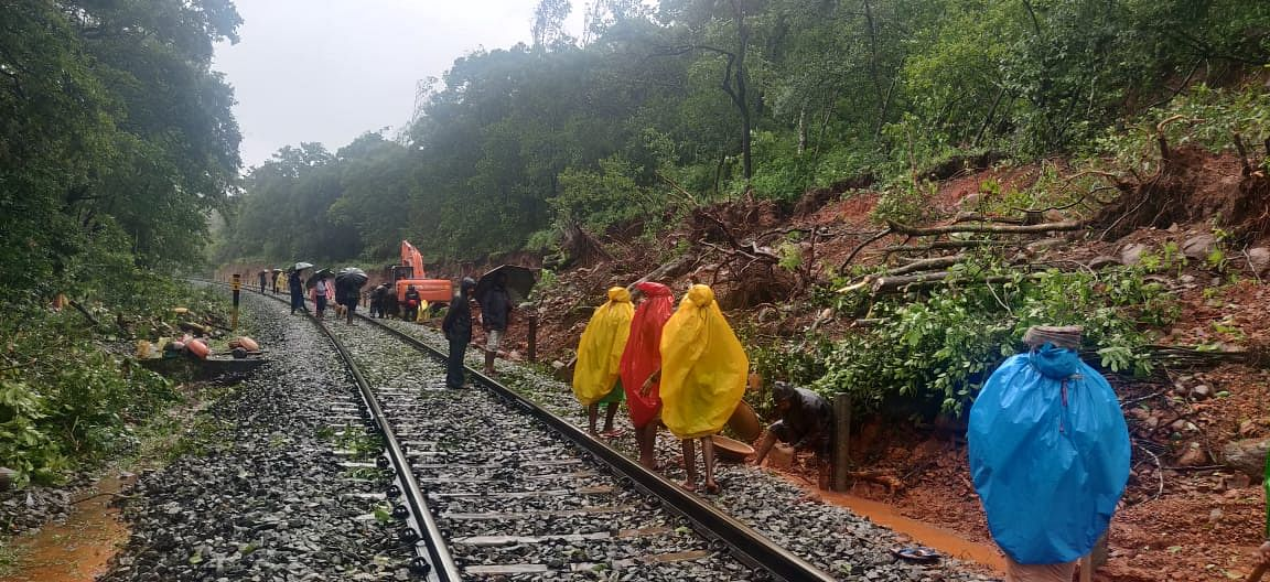 SWR restores track after landslides in Braganza Ghat section