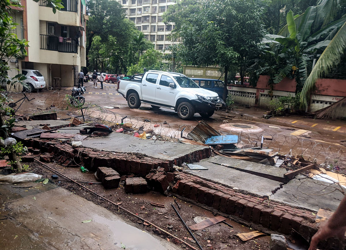 Wall collapse, uprooted trees and damaged vehicles - How heavy rains wreaked havoc in Thane