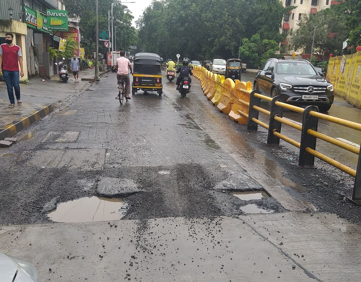 Mumbai: Potholes surfaces on newly-opened bridge near SNDT