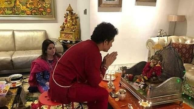 'You can buy a car not Sanskaar': Twitter users angry with Sachin Tendulkar for wearing janeu over a kurta