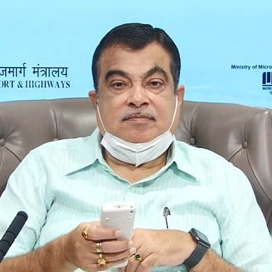 Union minister Nitin Gadkari asks domestic auto industry to adopt Make in India