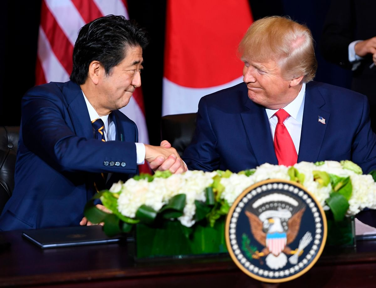 US President Donald Trump praises Japan PM Shinzo Abe