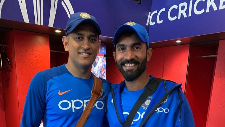 Will jersey number 7 retire with MS Dhoni? Dinesh Karthik raises demand