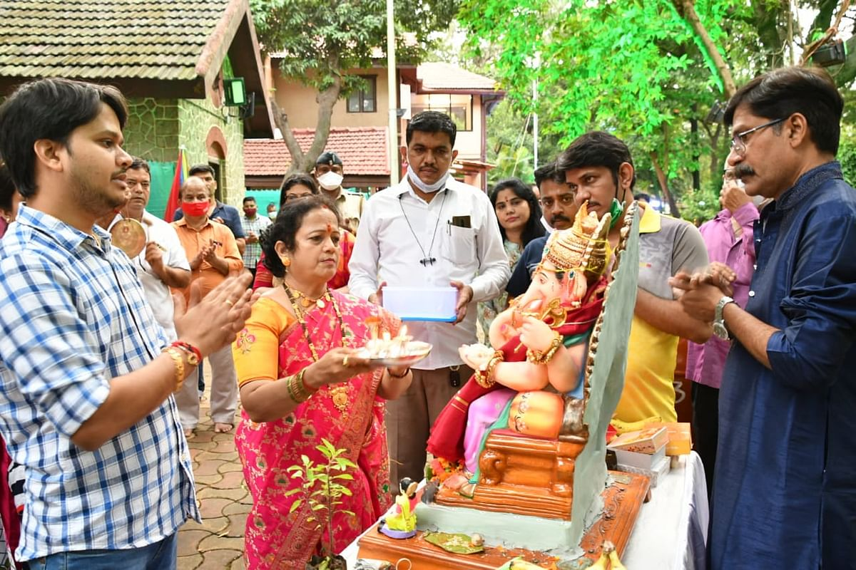 After celebrating the five-day-long Ganesh Chaturthi, Mumbai Mayor Kishori Pednekar bid adieu to Lord Ganesha on Monday.