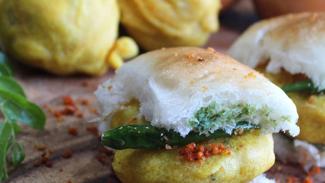 We asked Mumbai Twitter to lists its favourite vada pavs in the city, check out their responses