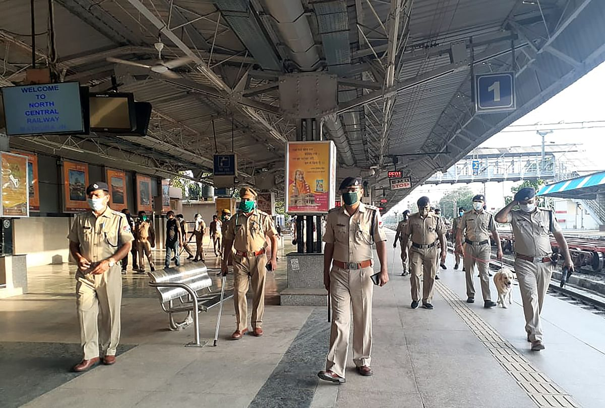Railway Protection Force (RPF) personnel inspect the Mathura Junction Railway Station with a sniffer dog during alert on ahead of Sri Ram Temple foundation laying ceremony in Ayodhya | Representational image