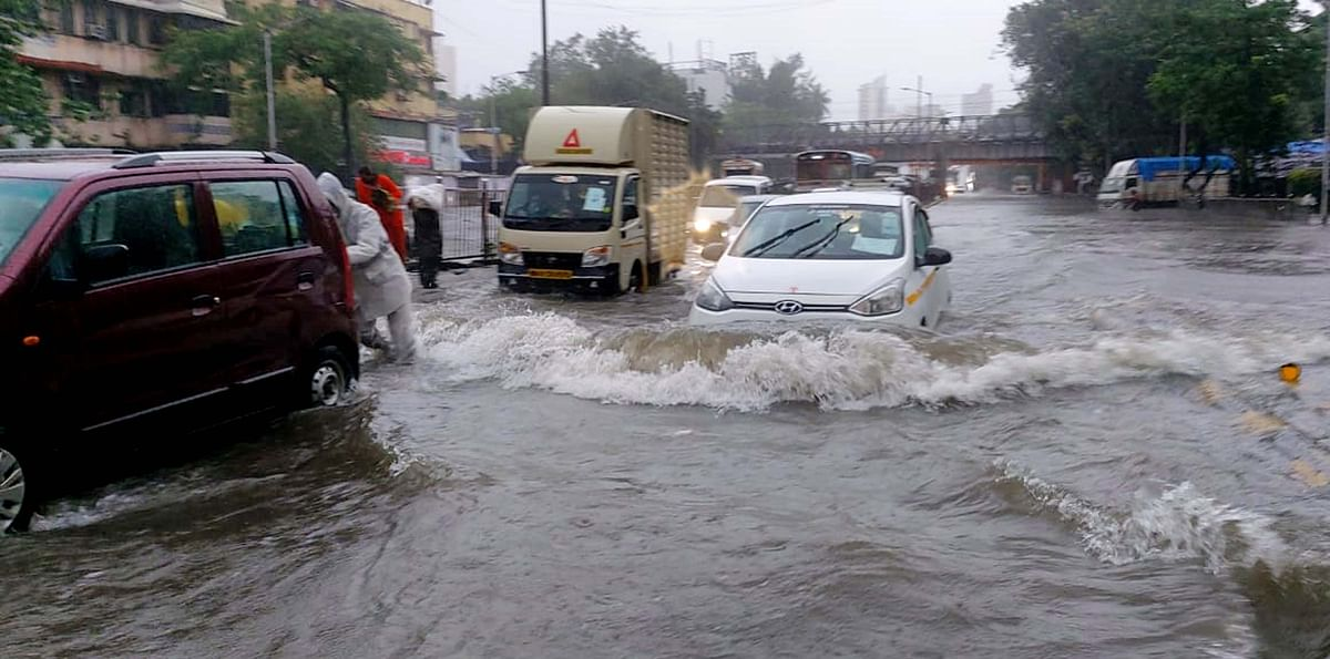 IMD issues rain red alert for Aug 17 in Pune and Satara