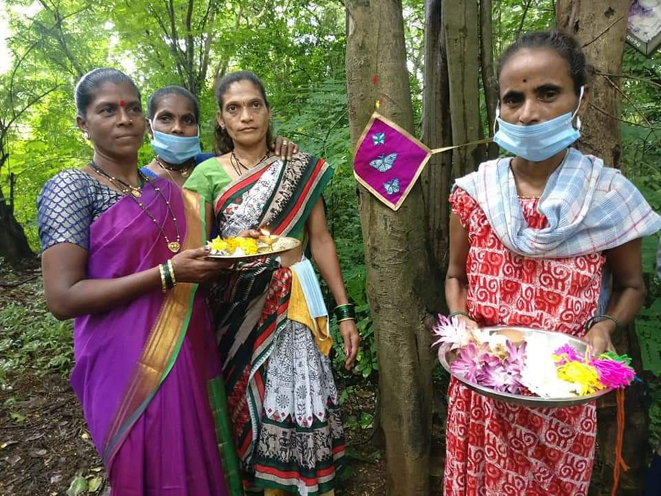 Tribals tie rakhis to trees in Aarey to save them from the axe
