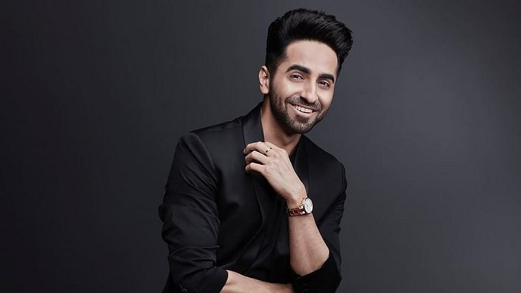 Ayushmann Khurrana wows with a rendition of Kishore Kumar's 'O Mere Dil Ke Chain'