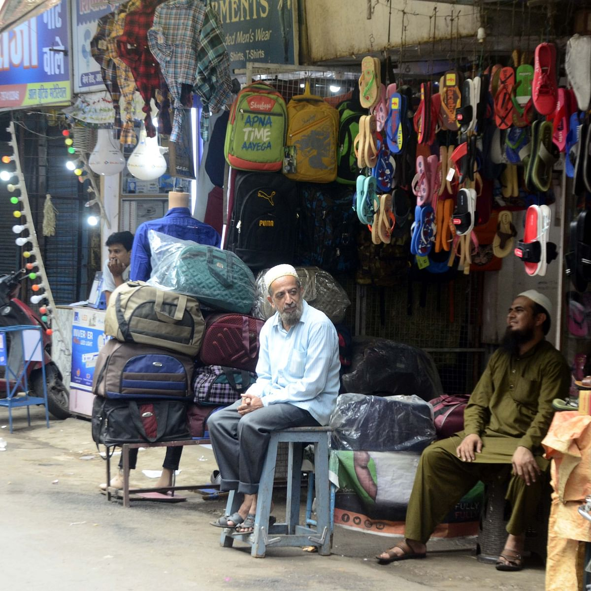 Bhopal: Markets reopen after 10 days but shoppers go missing
