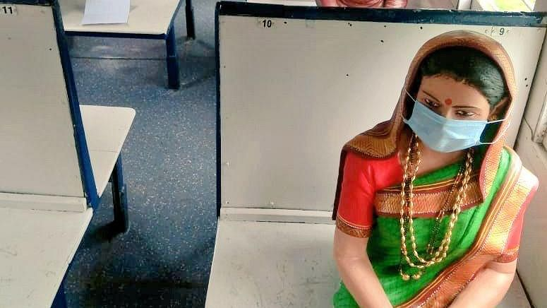 SWR puts masks on mannequins in Rail Museum, Hubballi