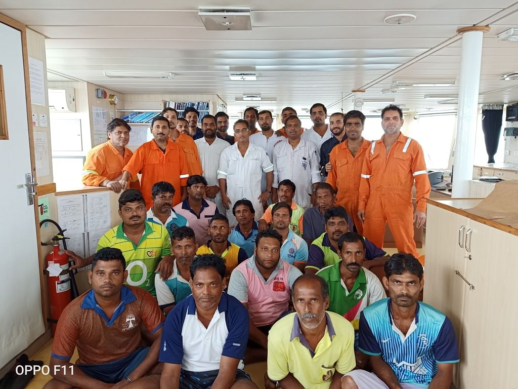 ICG rescues 16 fishermen near Arnala coast