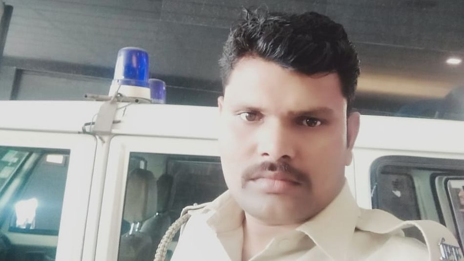 Coronavirus in Mumbai: Cop who helped fellow men at JJ hospital discharged after a month
