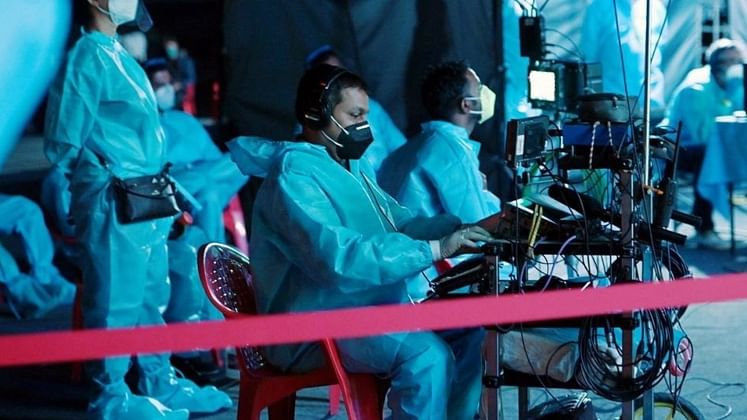 Amitabh Bachchan begins shooting for KBC amidst 'a sea of blue PPE'