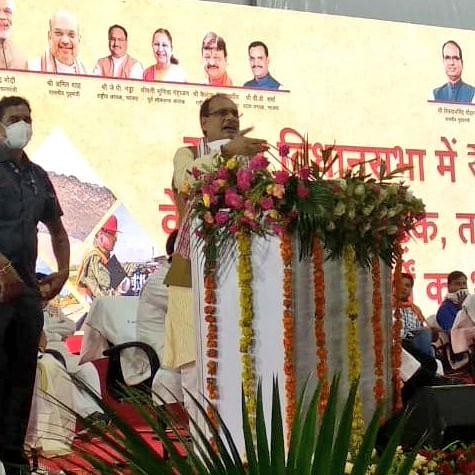 CM Shivraj Singh Chouhan gifts Rs 155 crore development booty to Sanwer