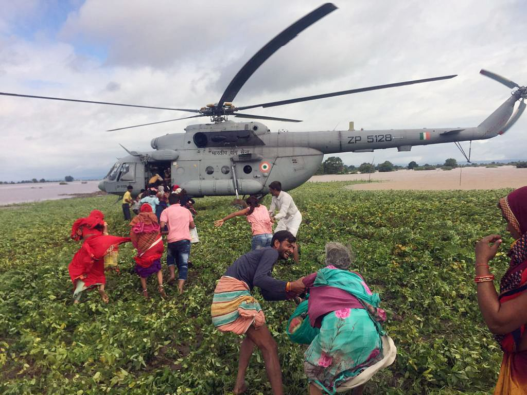 Madhya Pradesh: IAF airlifts people from flood-affected areas in Sehore