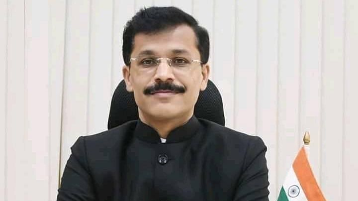 Nagpur civic chief Tukaram Mundhe transferred once again