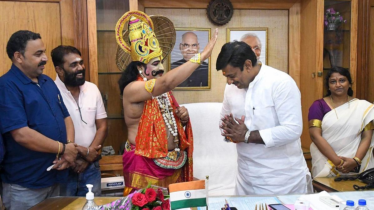 Onam a Hindu festival? An epic Twitter war pitting Mahabali and Vamana