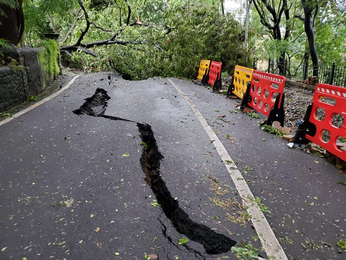 Road cracks open near Hanging garden slope towards Kemp's corner