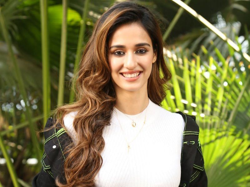 Disha Patani gives a hilarious twist to 'Rasode Main Kaun Tha' rap, shares video with pets
