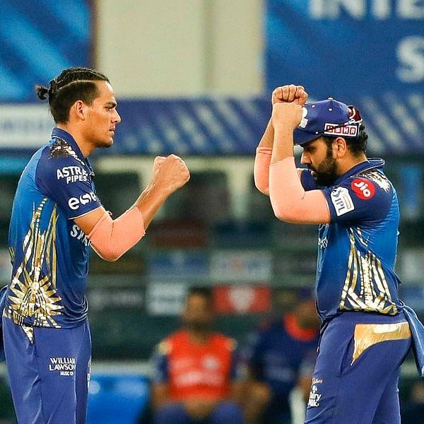 Clash of the titans: Rohit Sharma takes a brilliant catch to dismiss Virat Kohli