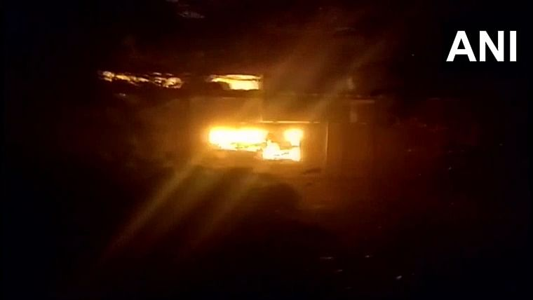 Fire breaks out at company office in Thane West