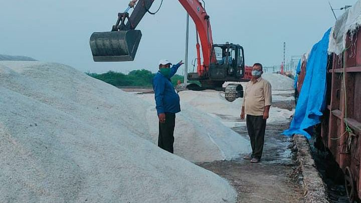 Western Railway's Business Development Unit of Rajkot Division makes a breakthrough of loading industrial salt in open wagons