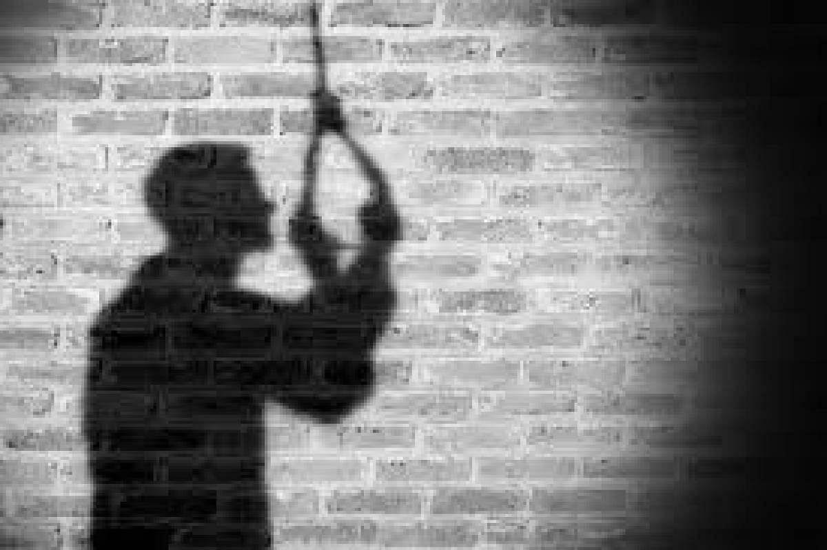 Madhya Pradesh: Man kills two sons before hanging himself