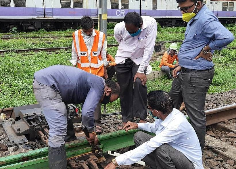 Central Railway carries out maintenance works during mega block on September 20