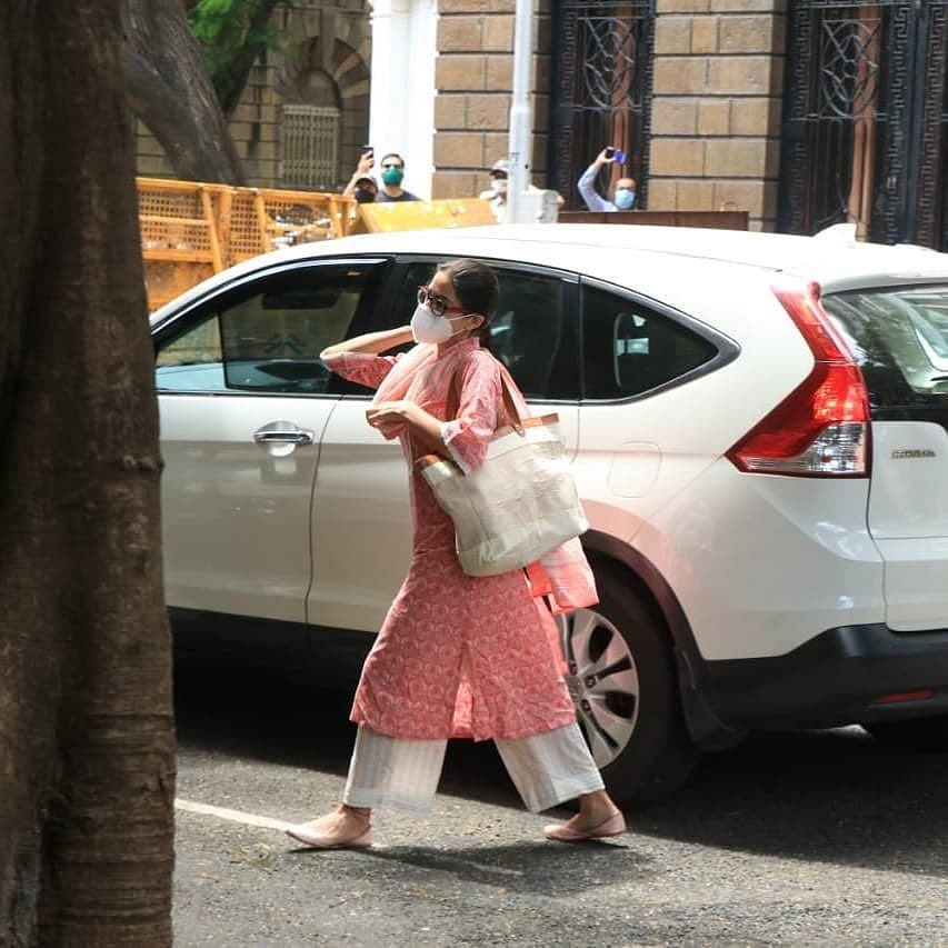 After Deepika and Shraddha, Sara Ali Khan reaches NCB office for questioning in drugs case
