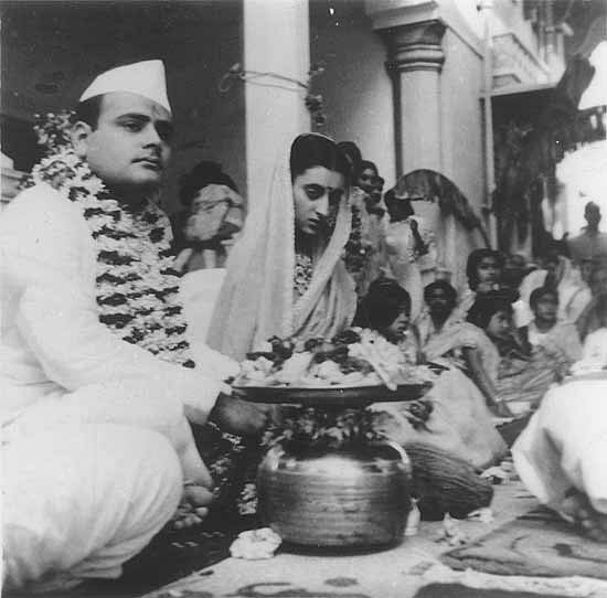 Feroze Gandhi and Indira Gandhi during their marriage ceremony.