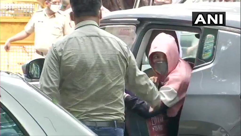 Rhea Arrested: Old tweet on narcotic 'trafikking' goes viral, Twitter calls her India's Jofra Archer