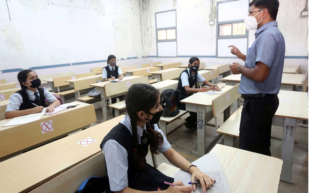 Bhopal: Schools open after six months, parents keep wards home