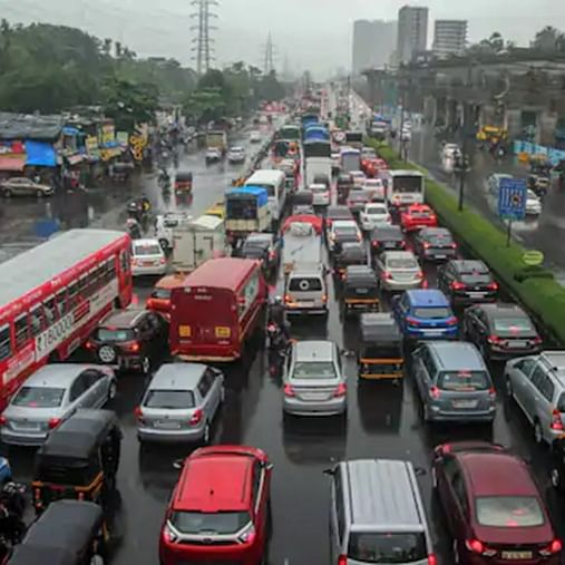Mumbai Rains: Eastern Freeway shut for vehicular traffic due to heavy rains, traffic snarls
