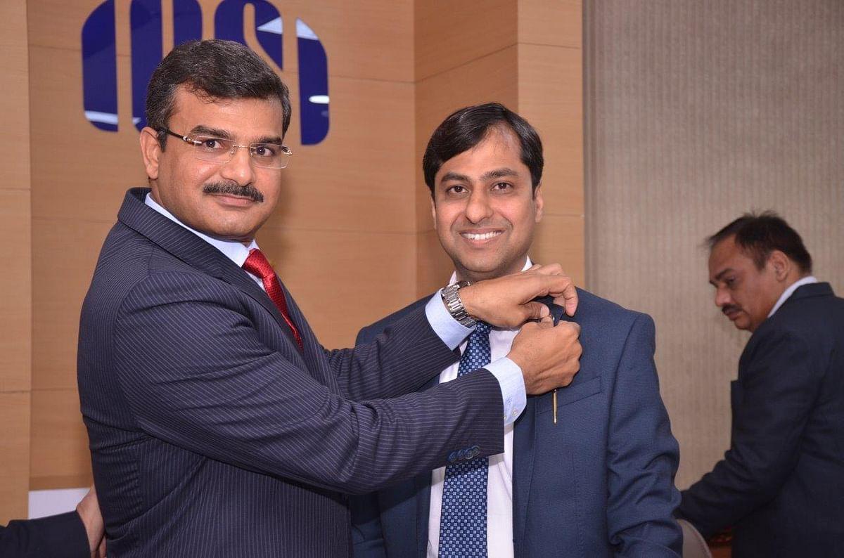 CS Ashish Garg (Right)