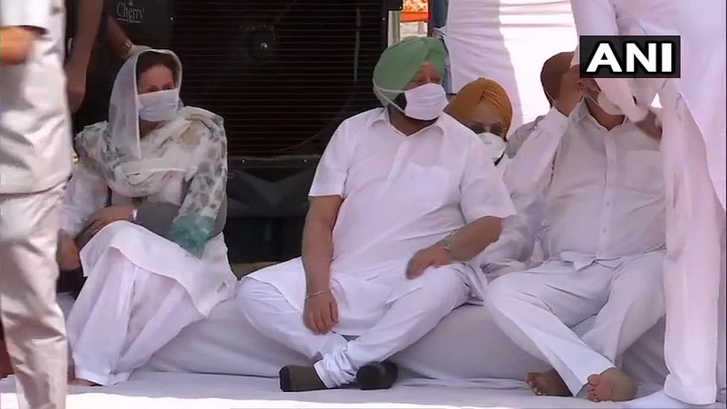 Farm Bills 2020: Punjab CM Amarinder Singh leads sit-in protest; says his govt will move SC