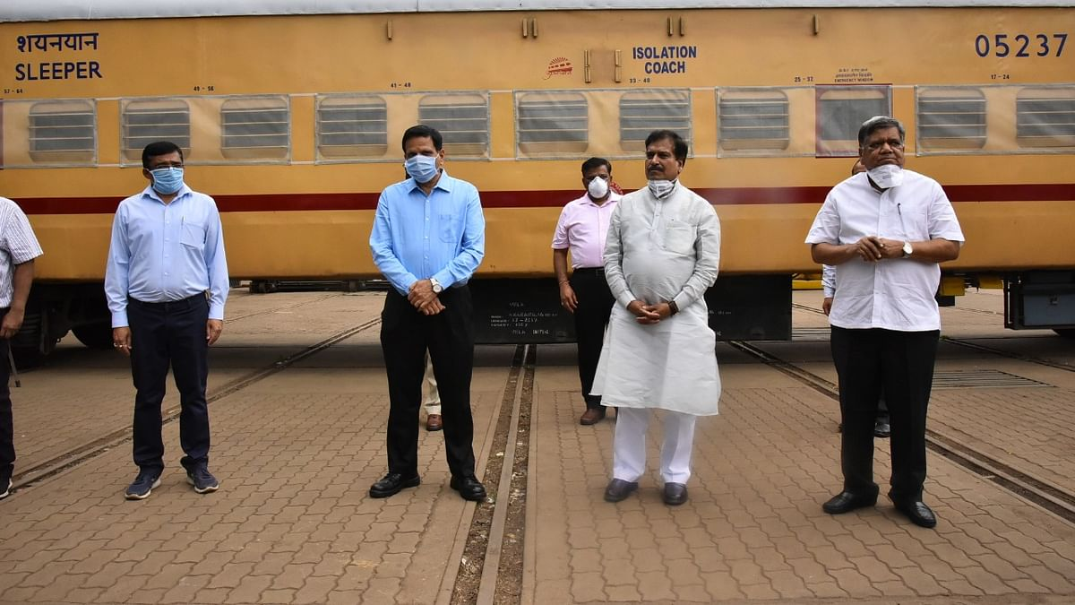 South Western Railway staff offer tributes to Minister of State Railways Suresh Angadi