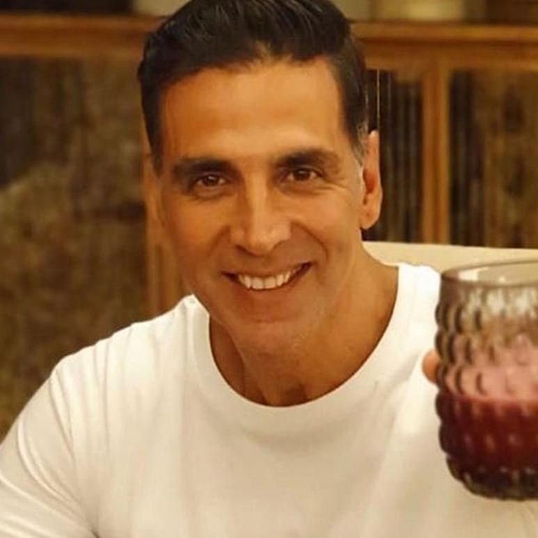 Does Akshay Kumar's cow urine drinking routine actually have any health benefits?