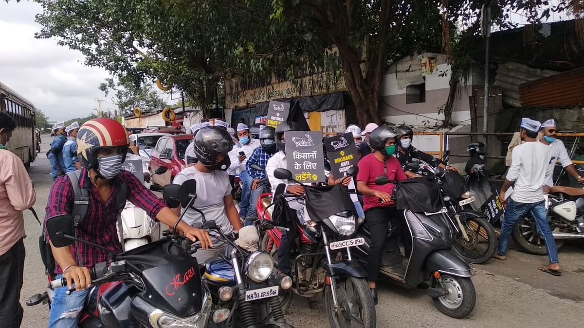 AAP Mumbai protests anti-farmer farm bills ; continues well attended 'bike rally' to Chaityabhoomi despite Police detention