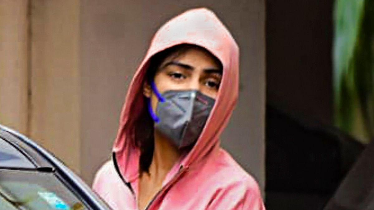 Rhea Chakraborty files complaint against Sushant's sister Priyanka for providing bogus medical prescription