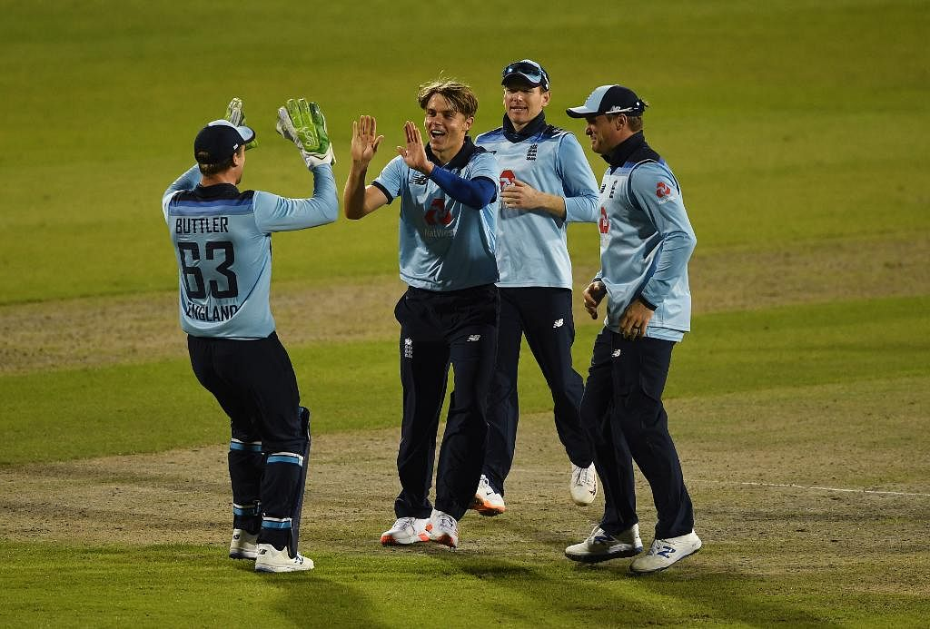 ENG v AUS 2nd ODI: Australia collapses as England wins by 24 runs