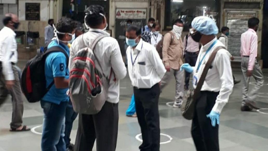 Central Railway Mumbai Division's Ticket Checking staff detects 4,911 cases during intensive and regular checks