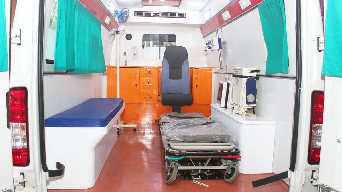 Uttar Pradesh: Retired District Judge's COVID-19 positive wife dies due to delay in ambulance arrival