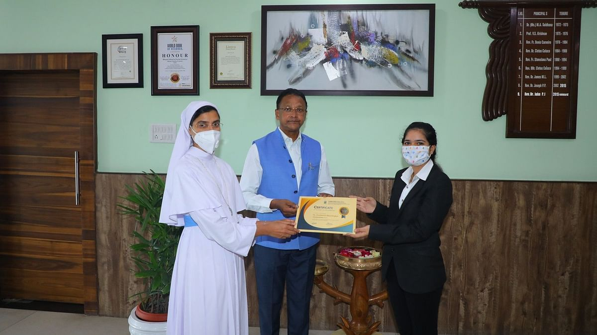 Bhopal School of Social Sciences awards scholarships to students