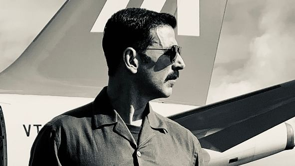 Makers unveil Akshay Kumar's new look from 'Bell Bottom' on his 53rd birthday