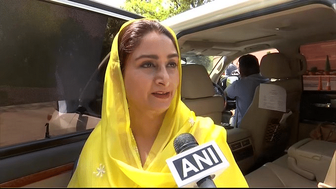 President Kovind accepts Harsimrat Kaur Badal's resignation; Narendra Singh Tomar to take additional charge