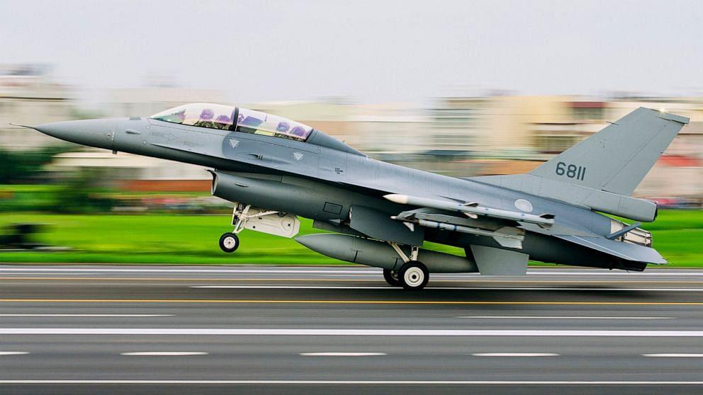 Chinese checkers: China warns US with Taiwan air drill