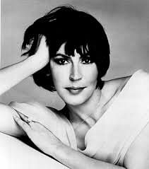'I Am Woman' singer and feminist icon Helen Reddy dies