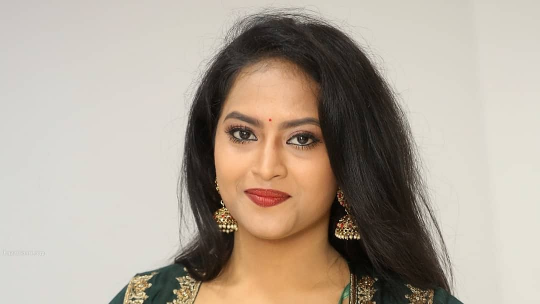 Telugu TV actress Sravani Kondapalli, 26, commits suicide