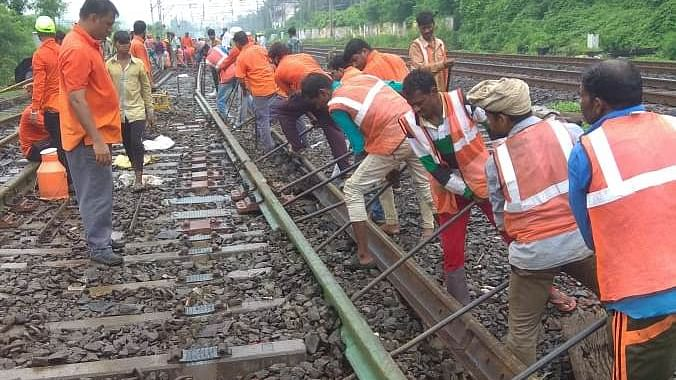 Central Railway Mumbai Division corona warriors carry out maintenance work during mega block on Sept 6
